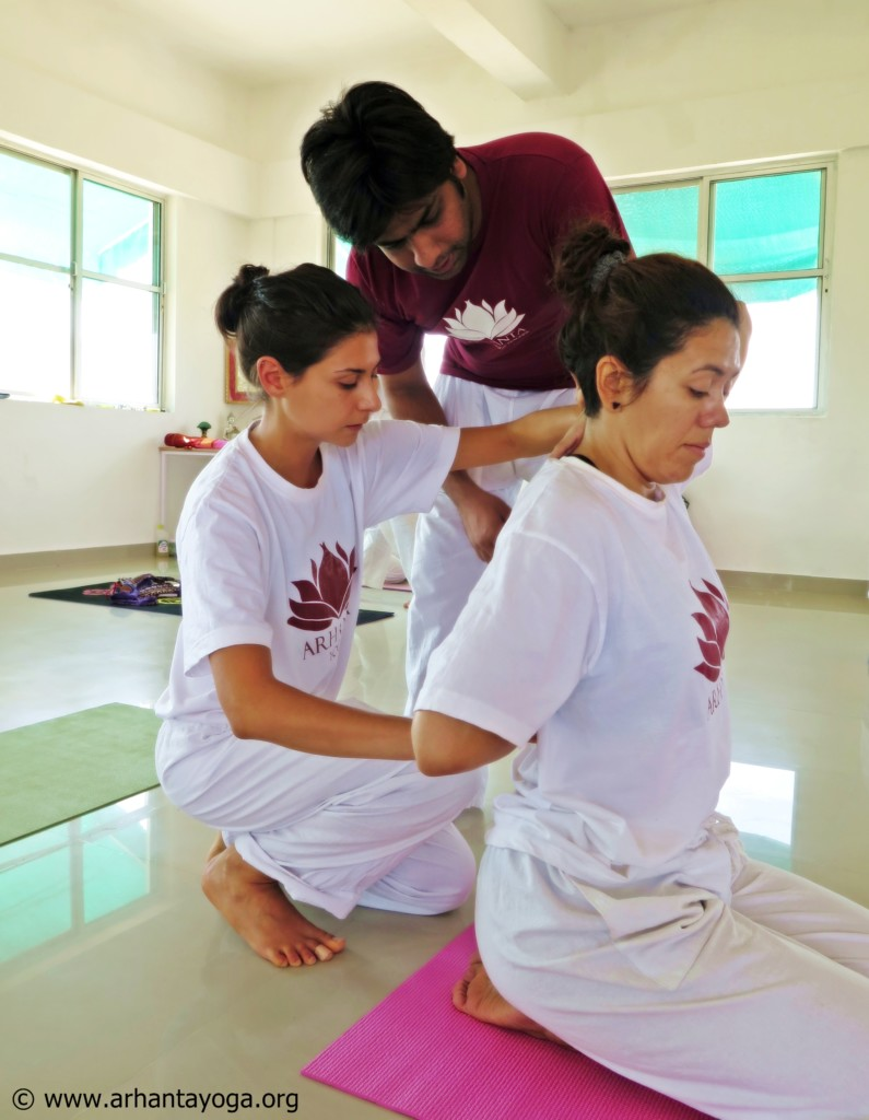 How to become yoga teacher India 2016