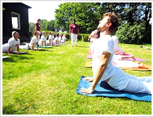 Arhanta Yoga teacher training Netherlands